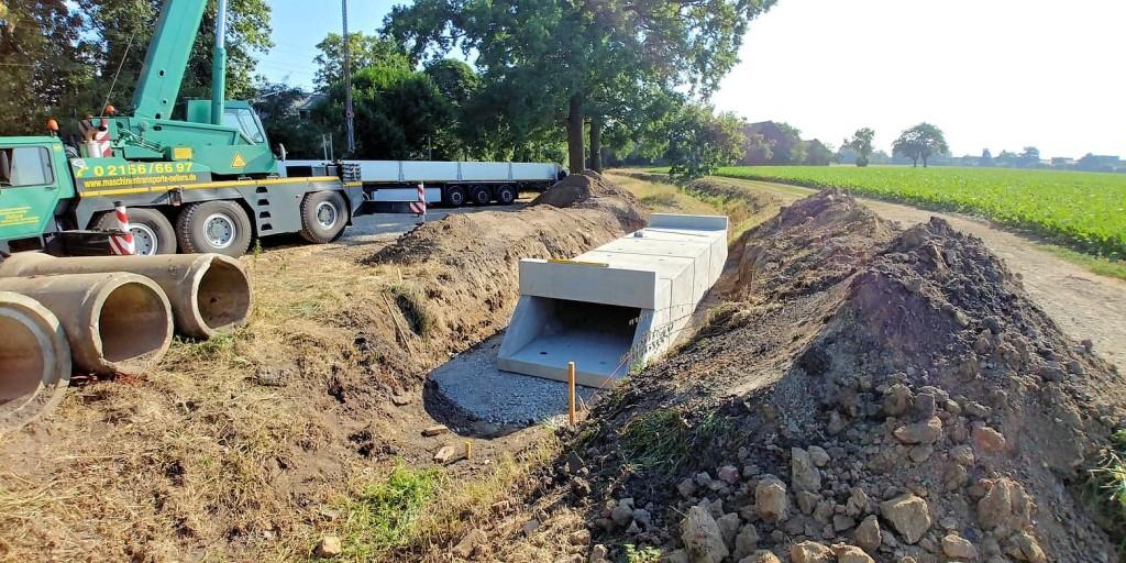 Einbau der neuen Brücke